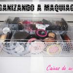 Caixa de acrílico/ organizando maquiagem
