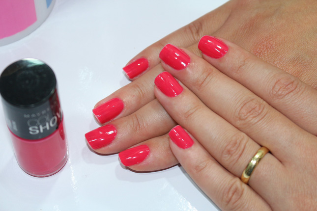 Pink Bikini Color Show Maybelline/ no esmalte da semana