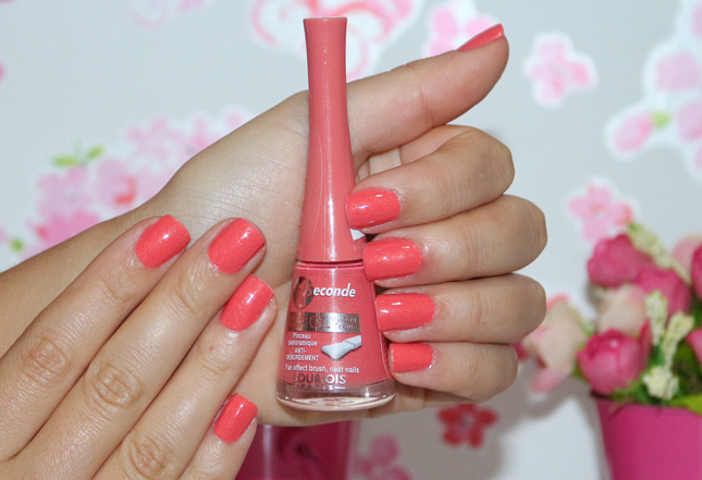 Coral Feerique 1 Second Bourjois no esmalte da semana