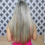 Usei: Redutor de volume para cabelos loiros