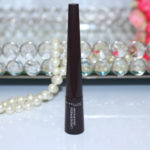 Delineador líquido a prova d'água Maybelline | marrom